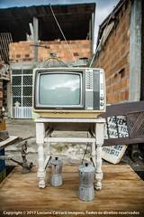 Acupe, Santo Amaro-BA. (luciano carcará) Tags: old tv television color cor abstract toshiba bege antenas