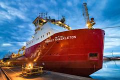 """Das """"Traumschiff"""" (Jana`s pics) Tags: eisbrecher forschungsschiff ship hafen yard orskov frederikshavn dänemark denmark rot red britishantarcticsurvey bas schiff blauestunde"""