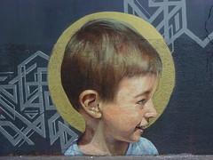 Artiste inconnu(e) (juillet 2017) (Archi & Philou) Tags: inconnu unknown enfant kid child portrait profil streetart fontaineauroi paris11 murpeint paintedwall auréole