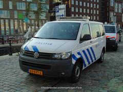 Politie Volkswagen T5 (Nederlandse politievoertuigen) Tags: politie police polizei volkswagen t5 amsterdam duch dutch nederlandse 63kvt2
