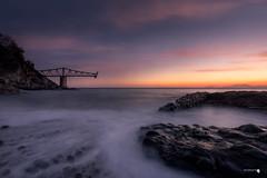 Luz suave (Caramad) Tags: agua longexposure mar landscape cargadero sol amanecer sunrise marcantábrico seascape playa sea rocks