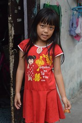 pretty girl in her chinese new year dress (the foreign photographer - ฝรั่งถ่) Tags: may142016nikon pretty girl child chinese new year dress khlong lat phrao portraits bangkhen bangkok thailand nikon d3200