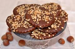 Frollini alle nocciole glassati al cioccolato (Le delizie di Patrizia) Tags: frollini alle nocciole glassati al cioccolato le delizie di patrizia ricette dolci pasticceria secca