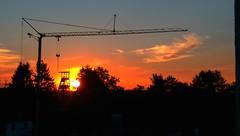 Smartphone shot of Zeche Heinrich in Essen (whittakermj4) Tags: collierytower crane essenüberruhr holthausen ruhrgebiet ruhrarea sunset germany förderturm bergbau coalmining baukran essen