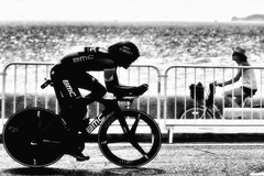 Speed dating... (MASSILIA MC) Tags: bike vélo tourdefrance marseille provence blackandwhite noiretblanc pentax j2mcphotographie reportage massiliamc