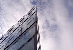 Steuerbord voraus? (diezin) Tags: kodak radtour sonntagstour radeln düsseldorf diezin flickr glas glasfassade medienhafen reflexion spiegelung