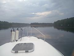 Ukkosta oli alkumatkasta, mutta onneksi rintama oli venettä nopeampi #näsijärvi #parkkuu