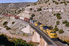 ATSF 5961 East at Abo Canyon, NM (thechief500) Tags: atsf abocanyon bnsf clovissubdivision railroads nm newmexico santaferailway atchisontopekaandsantafe