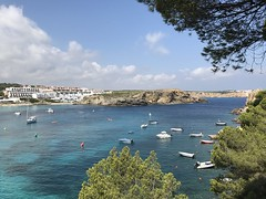 (Peter_Pan.) Tags: beach пляж menorca beauty spain bay yachts summer shore mediterranean blue beautiful