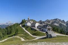 monte lussari (conteluigi66) Tags: borgo chiesa luigiconte monti cime vette d500 nikon
