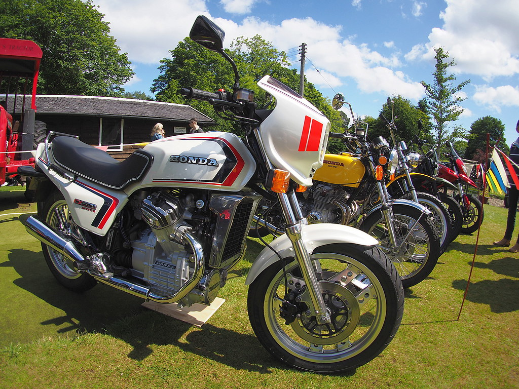 the world's newest photosayr classic motorcycle club - flickr