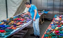 Pickpocket School (Emil de Jong - Kijklens) Tags: market markt waterloopleinmarkt amstetrdam portemonee wallet wallets color colors kleur kleuren zakkentrollen zakkenroller