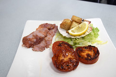 DSC_8097 London Bus Route #135 Billingsgate Fish Market Ali Cafe Scallops and Bacon Breakfast Highly Recommended (photographer695) Tags: london bus route 135 billingsgate fish market ali cafe scallops bacon breakfast