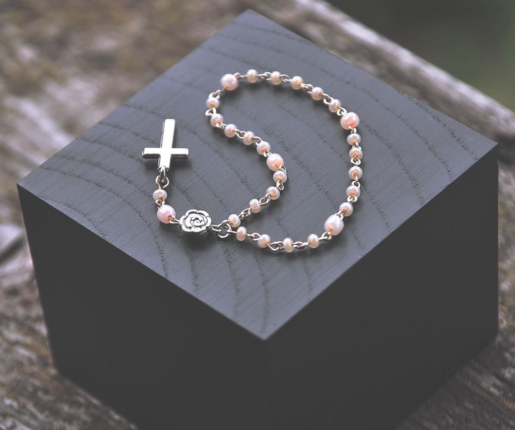 rosary research paper 2018-7-11 essays from bookrags provide great ideas for fashion essays and paper topics like essay view this student essay about fashion.