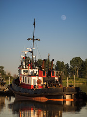 Warm Light (iPhilFlash) Tags: vancouver water sky reflections stevestonharbour britishcolumbia tugboat moonrise steveston outdoor fraserriver outdoors richmond canada ca