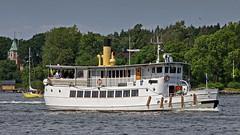The archipelago boat Riddarfjärden in Stockholm (Franz Airiman) Tags: charter charterbåt charterfartyg charterboat chartership blidösundsbolaget båt boat ship fartyg stockholm saltsjön sweden scandinavia villatäckaudden djurgården