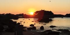 Sunset - 6 (schreibtnix on 'n off) Tags: reisen travelling europa europe frankreich france bretagne brittany breizh côtedegranitrose perrosguirec strand beach horizont horizon gegenlicht backlight sonnenuntergang sunset iphone6plus schreibtnix