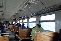dans le train (8pl) Tags: train intérieur bancs bois bancsenbois trainrégional ukraine passagers gens doudounes printemps