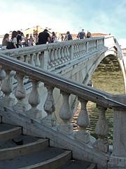 Venetian fence (Shahrazad26) Tags: fence hek barrière venetië venezia venice venedig bridge brug brücke pont ponte italië italy italien italia
