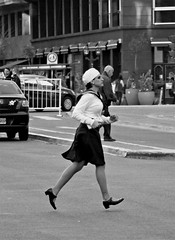 She can fly (carlos_ar2000) Tags: carrera runner run chica girl mujer woman bella beauty sexy calle street linda oretty gorgeous costume argentina buenosaires