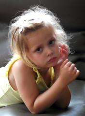 ogen-blik (roberke) Tags: portrait portret girl meisje child grandchild eyes ogen daglicht naturallight availablelight indoor kleinkind kleindochter