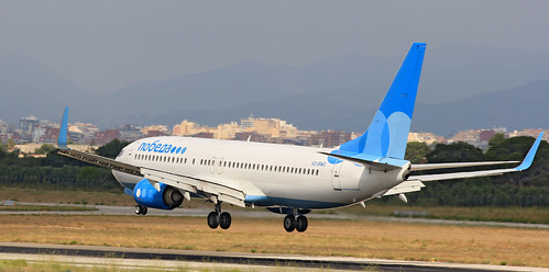 Poveda / Boeing 737-800 / VQ-BWG