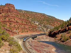 Amtrak 144 + 174, AMTK 5 California Zephyr, Dell - Range (Colorado, USA) (Martin Válek) Tags: rail railroad railway zug eisenbahn train locomotive redcanyon colorado coloradoriver unionpacific glenwoodspringssubdivision p42dc železnice vlak