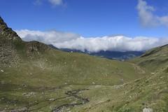 vue arrière sur le vallon de Barneuza (bulbocode909) Tags: valais suisse mottec zinal valdanniviers vallondebarneuza montagnes nature paysages nuages torrents rochers vert bleu coldesarpettes