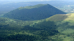 Volcan (Auvergne - France) (rogermarcel) Tags: landscape paysage rogermarcel puydedôme volcano