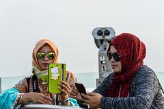 Sunglasses - Hongkong 21/188 (*Capture the Moment*) Tags: 2017 hongkong hongkongisland menschen peak people sonya7m2 sonya7mii sonya7mark2 sonya7ii sonyilce7m2 thepeak touristen tourists