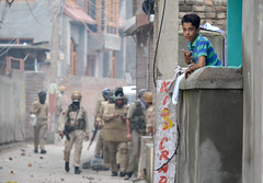 Thousands attend Funeral of Rebel in Kashmir (Muzamil Mattoo) Tags: kashmir conflict srinagar clashes rebel encounter life dailylife people india pakistan asia southeastasia