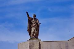 127 - Croatie, Ploče, sur le port, les statues sur l'église Crkva Kraljice Neba i Zemlje (paspog) Tags: ploče croatie croatia mai may 2017 église statue statues church kirche