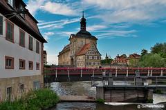 BAMBERG - Altes Rathaus (GerWi) Tags: bamberg rathaus kanal klein venedig fz1000 weitwinkel sommer brücken himmel sky