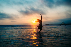 Happiness status (demandaj) Tags: happy socal ca nikon 35mm sunset santamonica la amandatipton