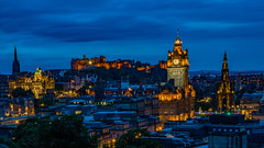 Nightfall in Edinburgh (ralfkai41) Tags: nacht night scottland nightshot burg blauestunde nachtfotografie outdoor panorama hdr bluehour stadt castle schottland city edinburg edinburghcastle