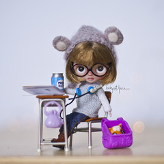 """Be quiet kitty, pets are not allowed at school"" (_babycatface_) Tags: blythe blythecustom babycatfacedollies babycatface blythedoll custom customblythe customdoll cute cutiepie doll dollphotography dollcustom toy toyphotography takara takaradoll takaratoy petite petiteblythe"