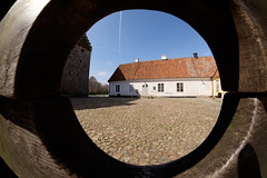 Glimmingehus (Håkan Dahlström) Tags: 2017 architecture castle glimmingehus medieval photography skåne slott sweden yard österlen hammenhög skånelän xt1 f10 1210sek 8mm uncropped 12909042017115921 1531 se