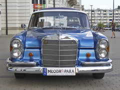 1960s Mercedes 220S in Warsaw (steven.kemp) Tags: mercedes 220s warsaw blue poland