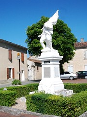 16-Marcillac Lanville* (jefrpy) Tags: poitou psaget 16charente guerrede1418 warmemorial ww1 france monumentauxmorts