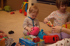 IMG_9722 (tompagenet) Tags: alexander christmas christmas2016 christmasday isabelle mrmaker circle presents rectangle shapes square