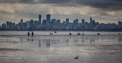Morning Vancouver (Photo Alan) Tags: vancoucer vancouverdowntown cloud beach water sea morning city cityscape cityofvancouver people sailing kids reflection