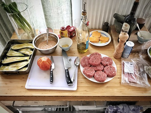 Burger mise en place