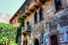 Juliet's Balcony? (diminji (Chris)) Tags: verona italy shakespeare hdr hdrtoning balcony juliet buildings architecture