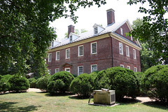 Front angle view of Berkeley Plantation, aka Berkeley Hundred (Beltway Photos) Tags: charlescitycounty berkeleyplantation berkeleyhundred charlescity 1700s virginia 1600s unitedstates plantation antebellum benjaminharrison presidentwilliamhenryharrison benjaminharrisoniv presidentbenjaminharrison