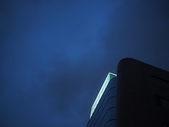 building (taylorjeong) Tags: building night sky lookup city blue sign em1