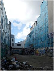 Blue corner (michelle@c) Tags: urban suburban city demolition waste blue plastic protection emptiness parisxi 2017 michellecourteau