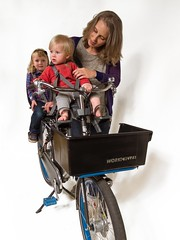 workcycles-fr8-2-zitjes (@WorkCycles) Tags: bike cargobike children dutch fr8 mamafiets moederfiets seats ski transportfiets workcycles zitjes
