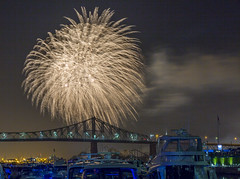 fireworks-in-the-old-port-by-eva-blue-15_35228597093_o (The Montreal Buzz) Tags: fireworks feuxdartifices oldport vieuxport montreal evablue