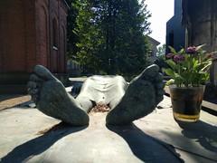 They rest (ashabot) Tags: milan milano cimiteromonumentale monumentcemetery statues cemetery cemeteries mementomori art