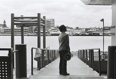 expect. (piyadouagpummat) Tags: rollei35te ilfordpan100 film filmphotography thai thailand bangkok chaophrayariver